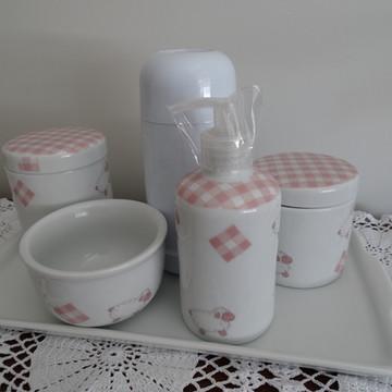 Kit higiene bebê em porcelana