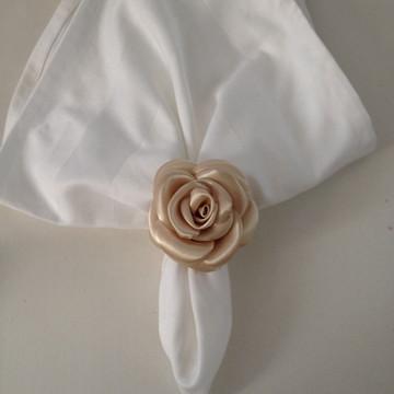 Porta guardanapo de rosas