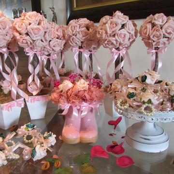 Topiara com 18 rosas & galocha &porta-gu