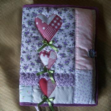 capa para caderno patchwork coração
