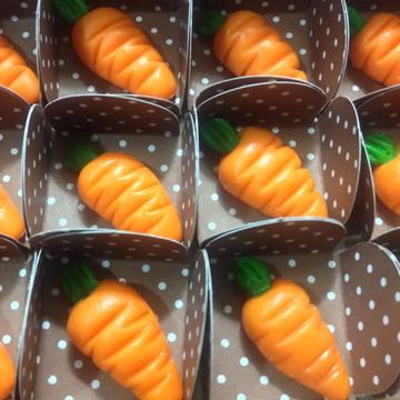 Doce Modelado cenouras de leite em pó