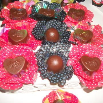 Forma para doces finos com poá