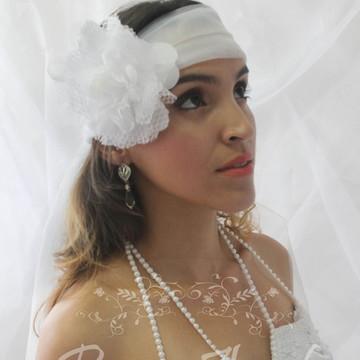 Headband 20'' flor com véu