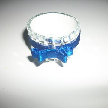 Forma espelhada de doces finos com laço