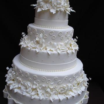 Bolo Casamento Rosas, Flores e Arabescos