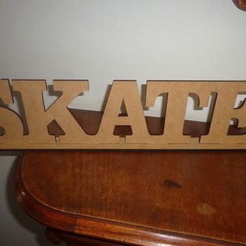Palavra Skate em mdf