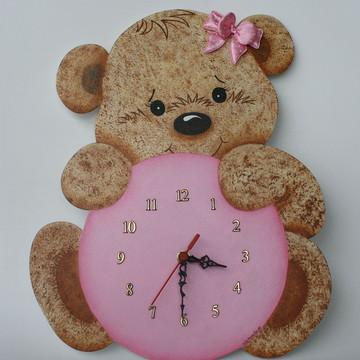 Relógio em mdf ursinha