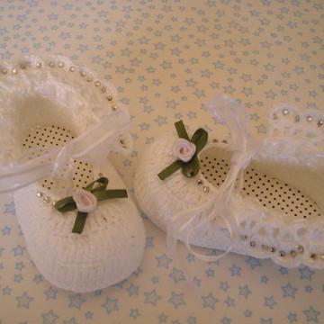 Sapatinho de bebê para batizado branco