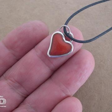 Pingente prata mini coração com resina