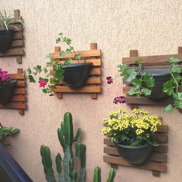 Floreira de parede / Painel + Vaso