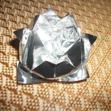 Forma de doces flor de lótus prata