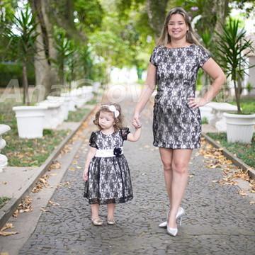 Vestidos Mãe e Filha de renda Preto e Be