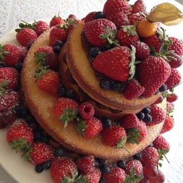 Bolo Naked Cake de Brigadeiro