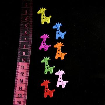 Botões em madeira em formato de girafa
