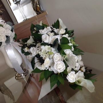 Bouquet noiva cascata & porta alianças