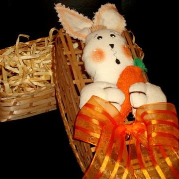 Caixa em palha coelho com cenoura