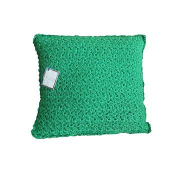 """Almofada verde de crochê """"Delicada"""""""