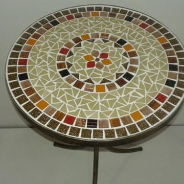 Mesa de Canto em Mosaico