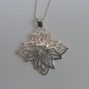 Pingente Mandala Flor de Prata
