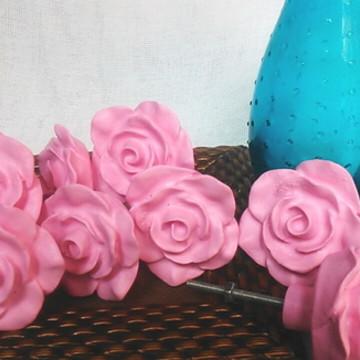 Puxador estilo provençal na cor Rosa