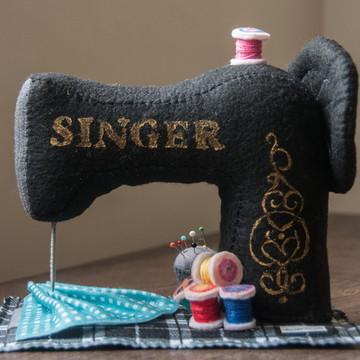 Máquina de Costura Vintage em Feltro