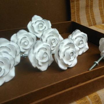 Puxador Rosa Branca Com Borda PRATA