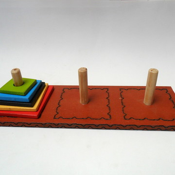 Torre de Hanoi -Jogos e Brinquedos Educativos em Madeira
