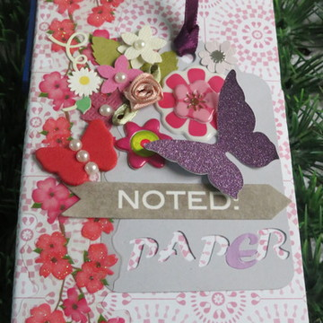 Caderninho de anotações + post it