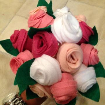 Buque de feltro flores