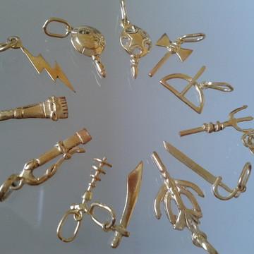 ferramenta dos Orixás prata banhado ouro