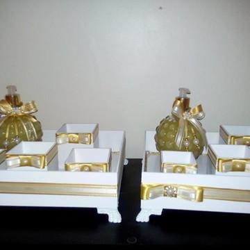 Kit Toalete/Toilette Branco e Dourado