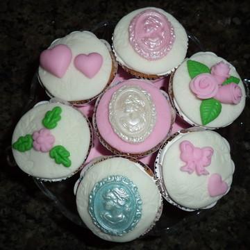Cupcakes - Camafeu & Flores