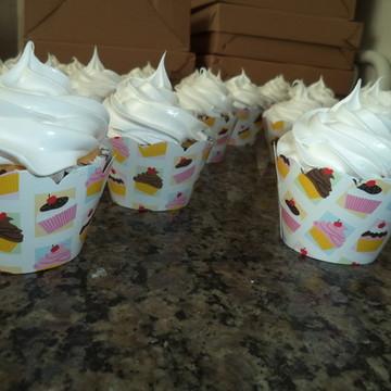 Cupcakes - Cobertura Alta na Cor Branca