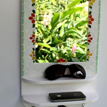 Cabideiro com espelho em mosaico flores