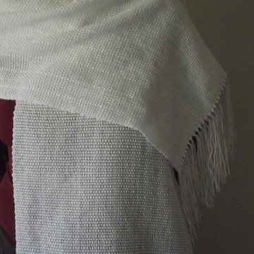 Manta de lã branca fina