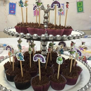 Enfeite de docinhos e cupcakes Monstros