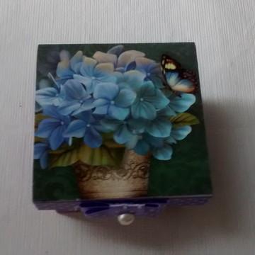 Caixa em Madeira, mdf, decorada