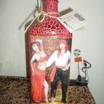 Garrafa em craquelê decorada Ciganos