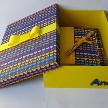 Kit papelaria caixa box com cadernos