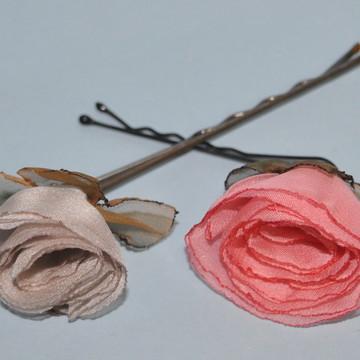 Flores para cabelo em grampo