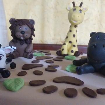 Bolo Cenográfico Biscuit Safari
