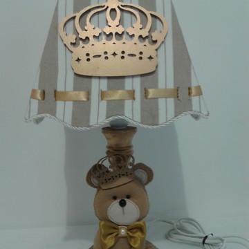 Abajur urso principe e coroa