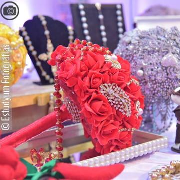 Bouquet de Broches & Rosas Vermelho Gran