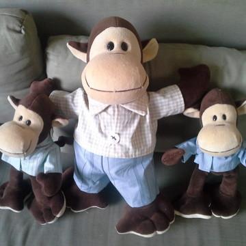 Macacos familia 1pai e 2 filhos