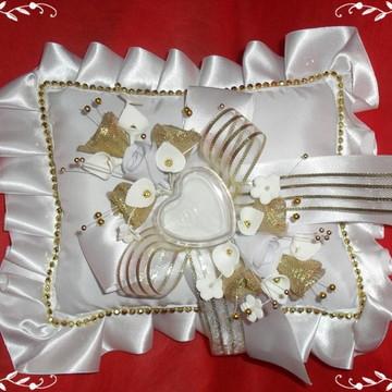 Almofada Aliança Branco e Dourado