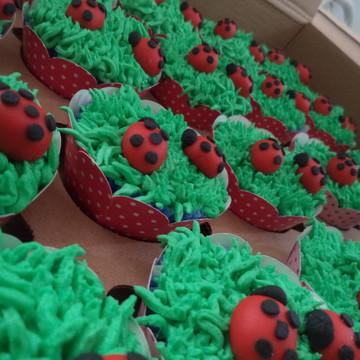 Cupcakes - Joaninhas