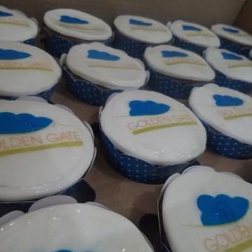 Cupcakes com Logo