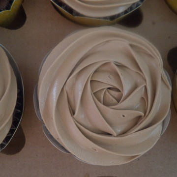 Cupcakes - Rosas de Marshmallow na Cor Marrom