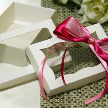 10 Caixas brancas com visor para Lembranças