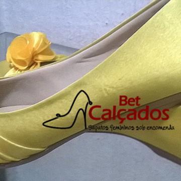 c2c2300db6 Sapatilha Boneca Amarela